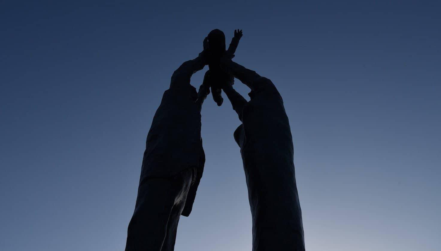 San Fele, a trent'anni dal gemellaggio con Drummojne viene inaugurato il monumento ai Lucani nel mondo