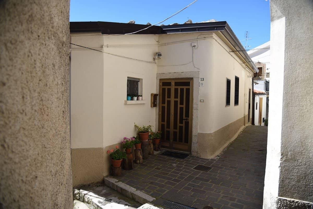 Vendesi abitazione nel centro storico di San Fele
